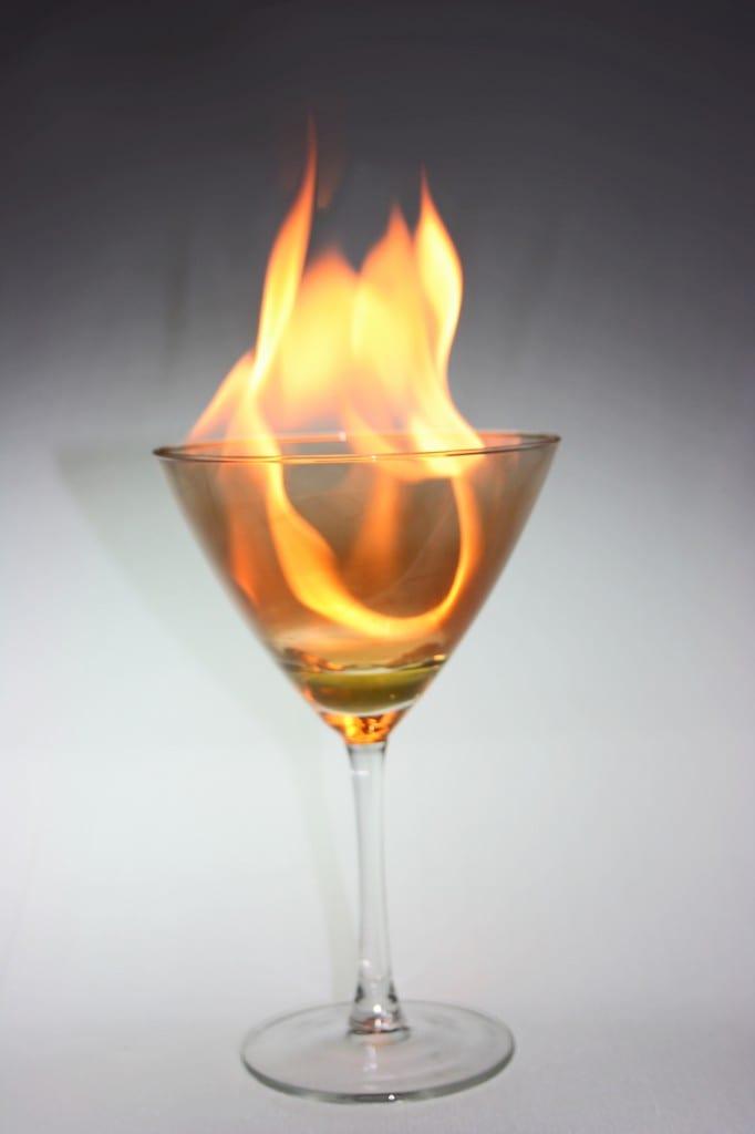 W cieniu kieliszka – co przeżywa alkoholik i jego rodzina?